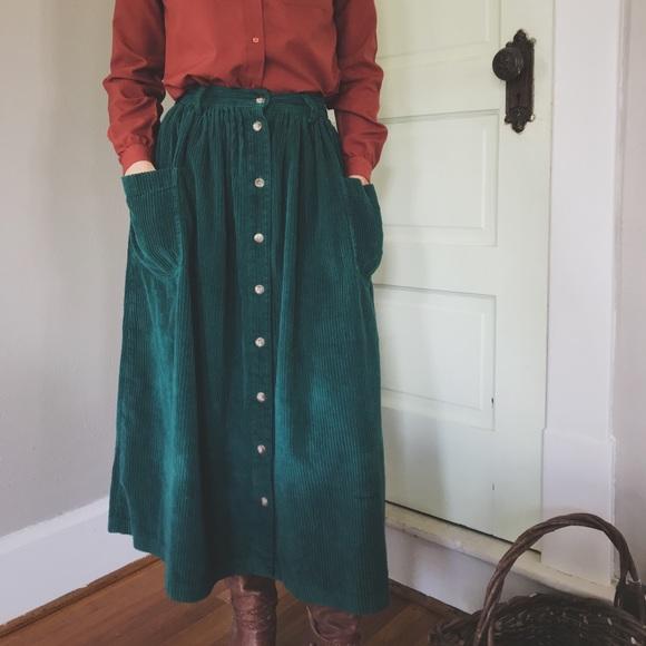 299c3ff9b1 Eddie Bauer Corduroy Skirt with Pockets! M_5b9ecdbcaaa5b8e0ef211cde